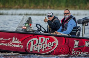 Shootout Series Signs With FLW